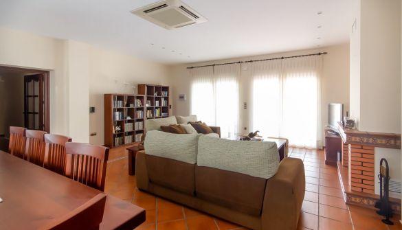 Casa adosada en Medellín de 4 habitaciones
