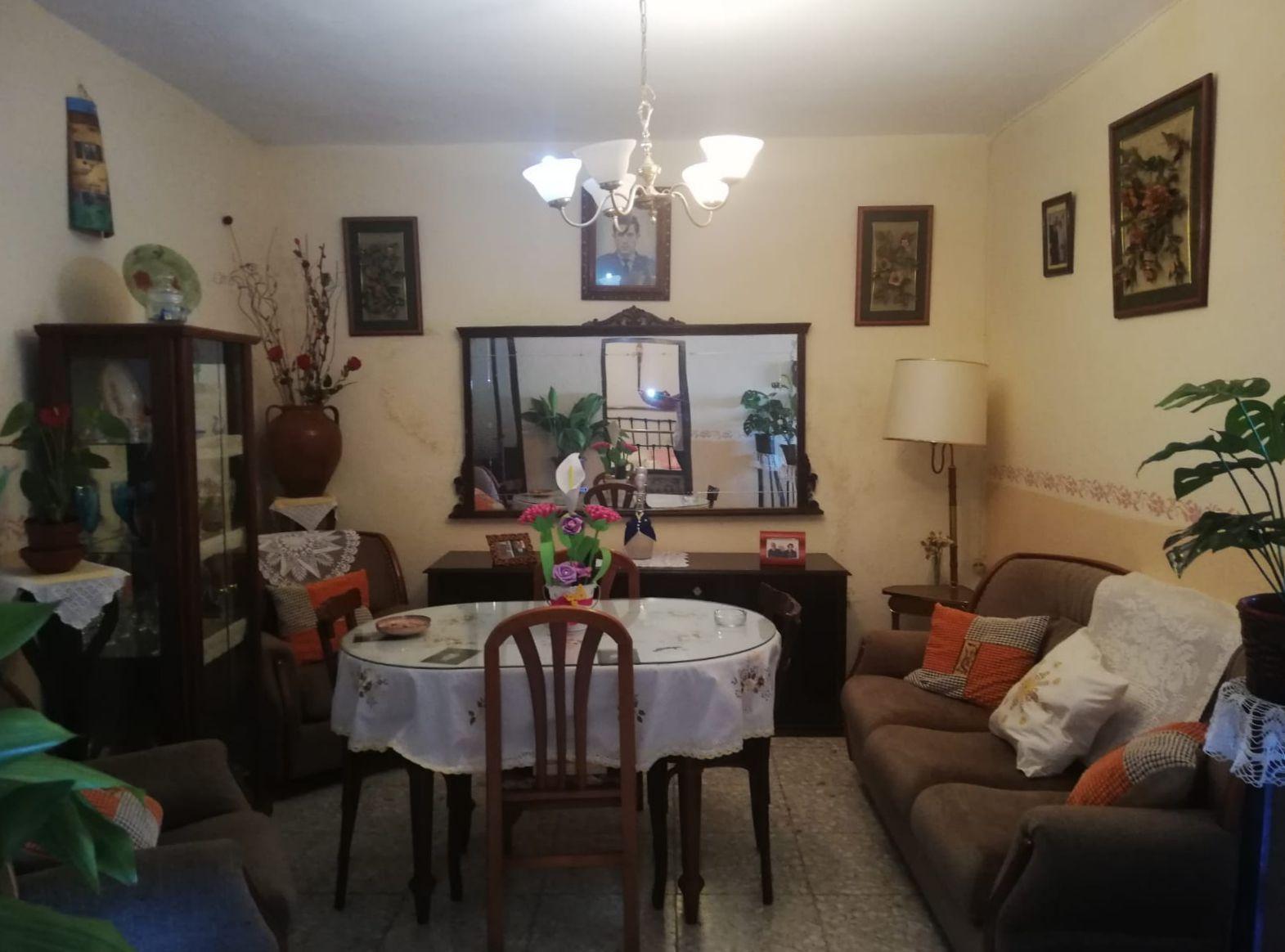 Casa adosada en Magacela, venta