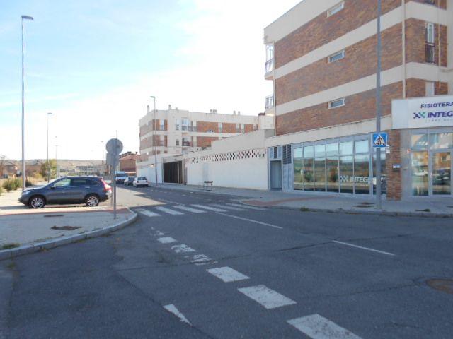 Local comercial en Ávila, CALLE SIEMPREVIVA, venta