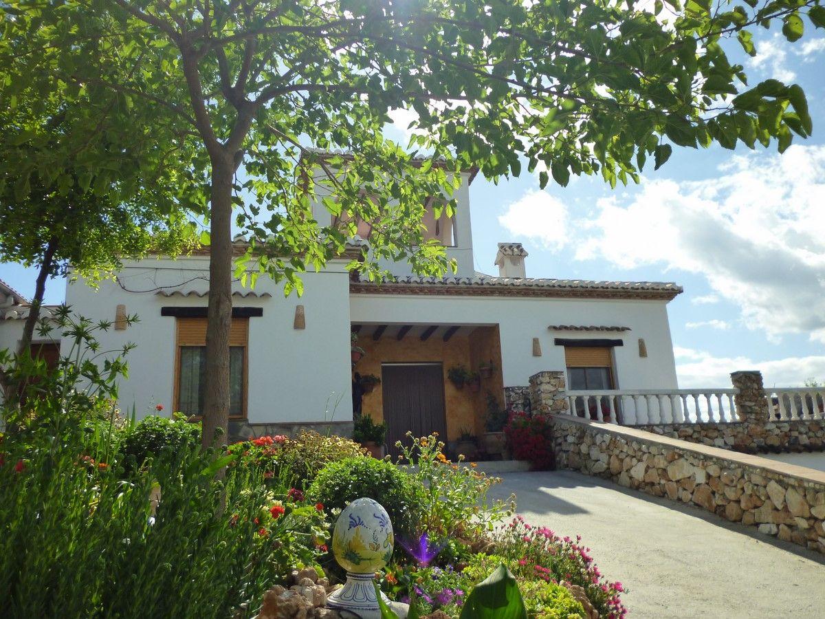 Casa de campo en Cómpeta, Venta Real, alquiler