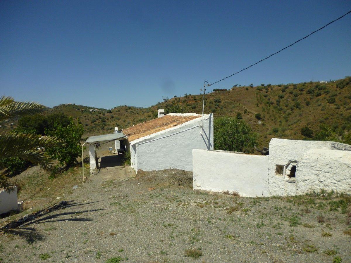 Casa de campo en Sedella, venta