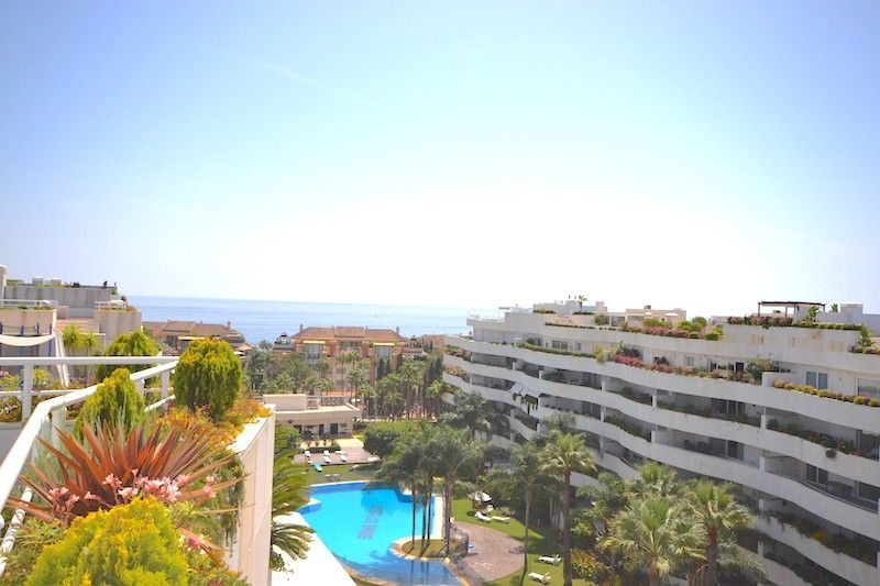 Penthouse in Marbella, Puerto Banus, for rent