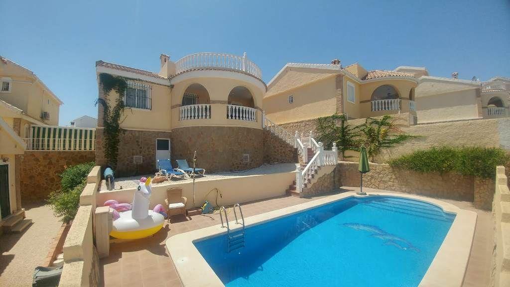 Villa in Gran Alacant, Monte y Mar Zona Baja, for sale