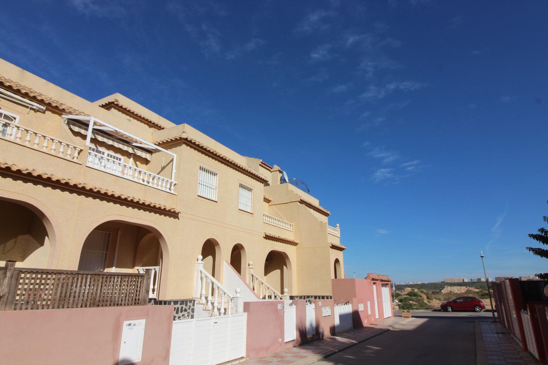 Villa in Gran Alacant, Monte y Mar Zona Baja Gran Alacant, rental with option of purchase