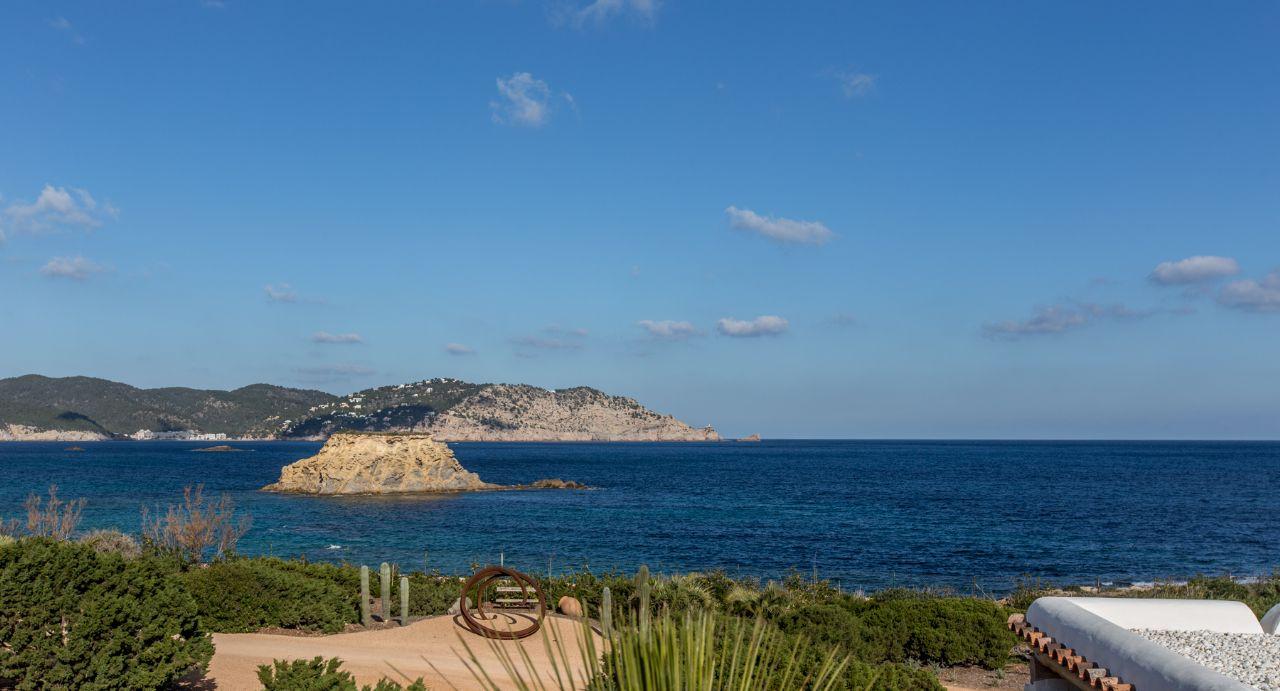 Luxury Villa in Ibiza, San Carlos, for rent