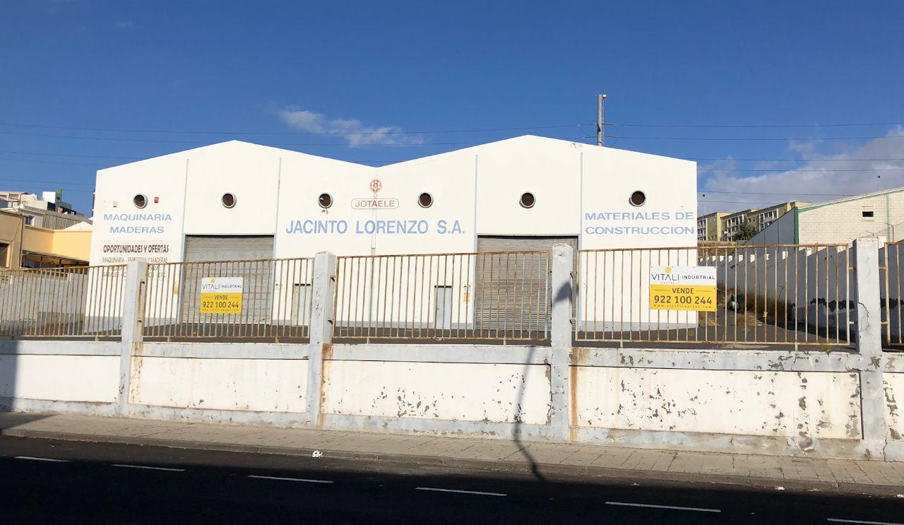 Nave en Santa Cruz de Tenerife, Polígono Costa Sur, venta