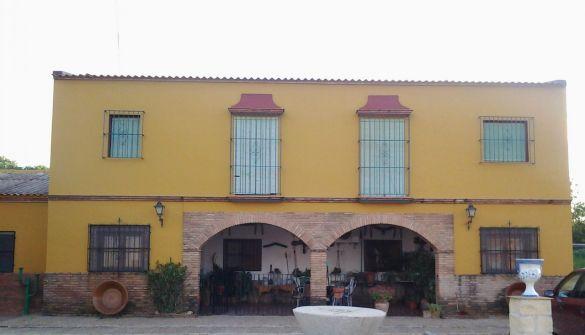 Finca rústica en Carmona de 3 habitaciones