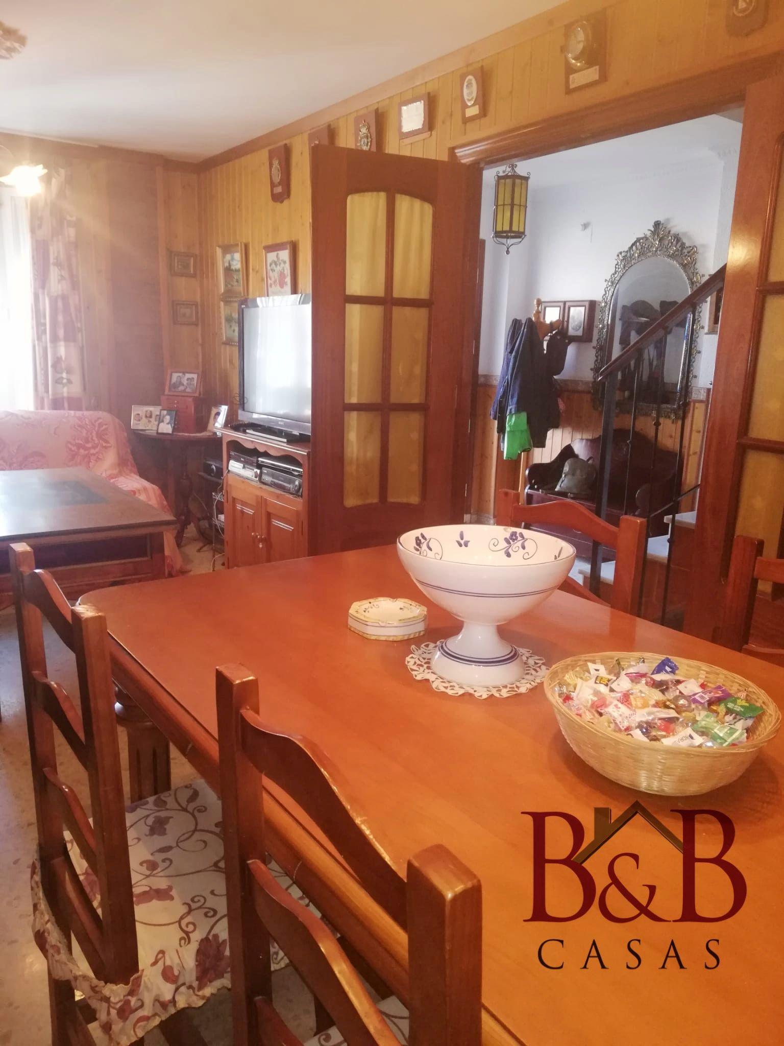 Casa adossada a San Fernando, CASERIA, en venda