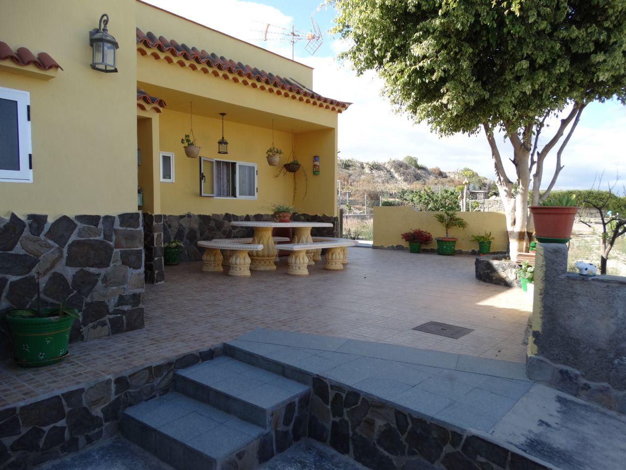 Casa de campo en Güimar, LOMO DE MENA, venta