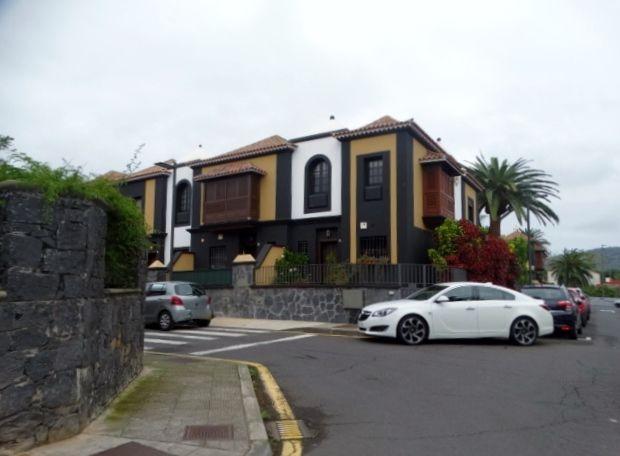 Casa adosada en San Cristóbal de La Laguna, LA LAGUNA, venta