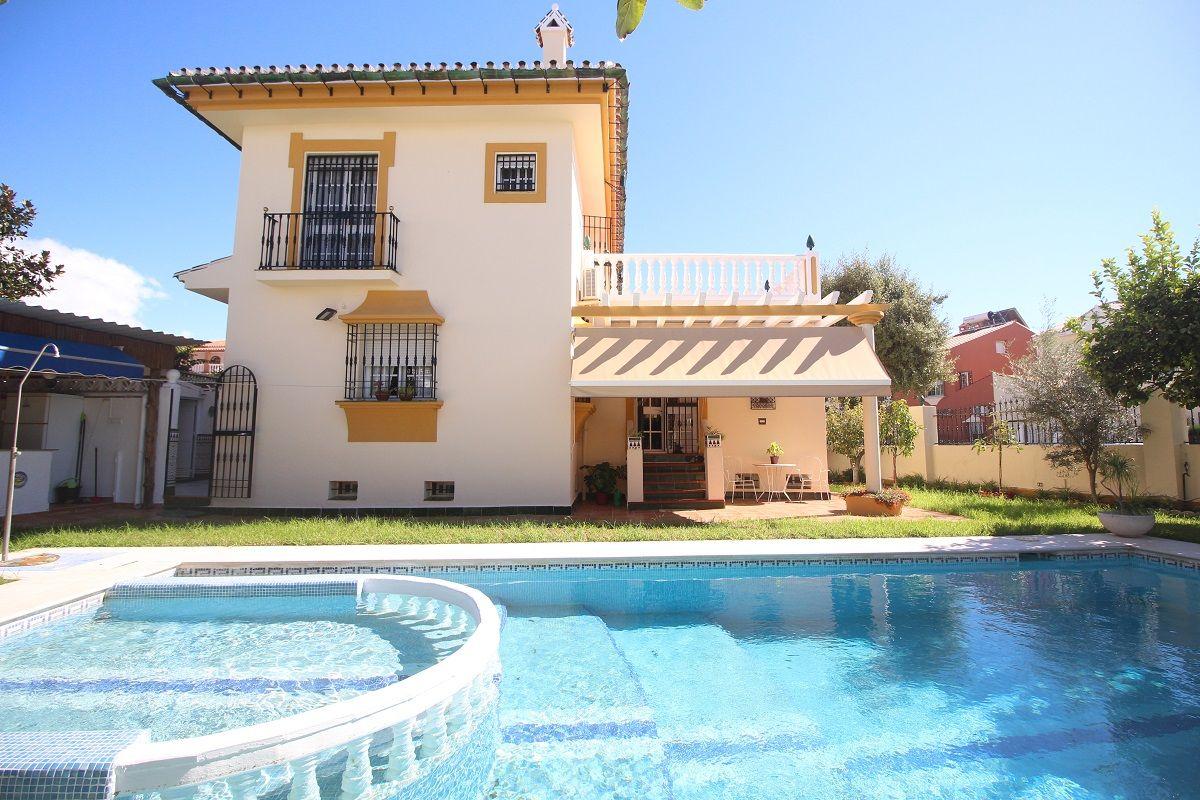 Villa de Lujo en Torre del Mar, venta