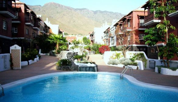 For sale Semi-detached House in Adeje, Jardin Botanico with Swimming ...