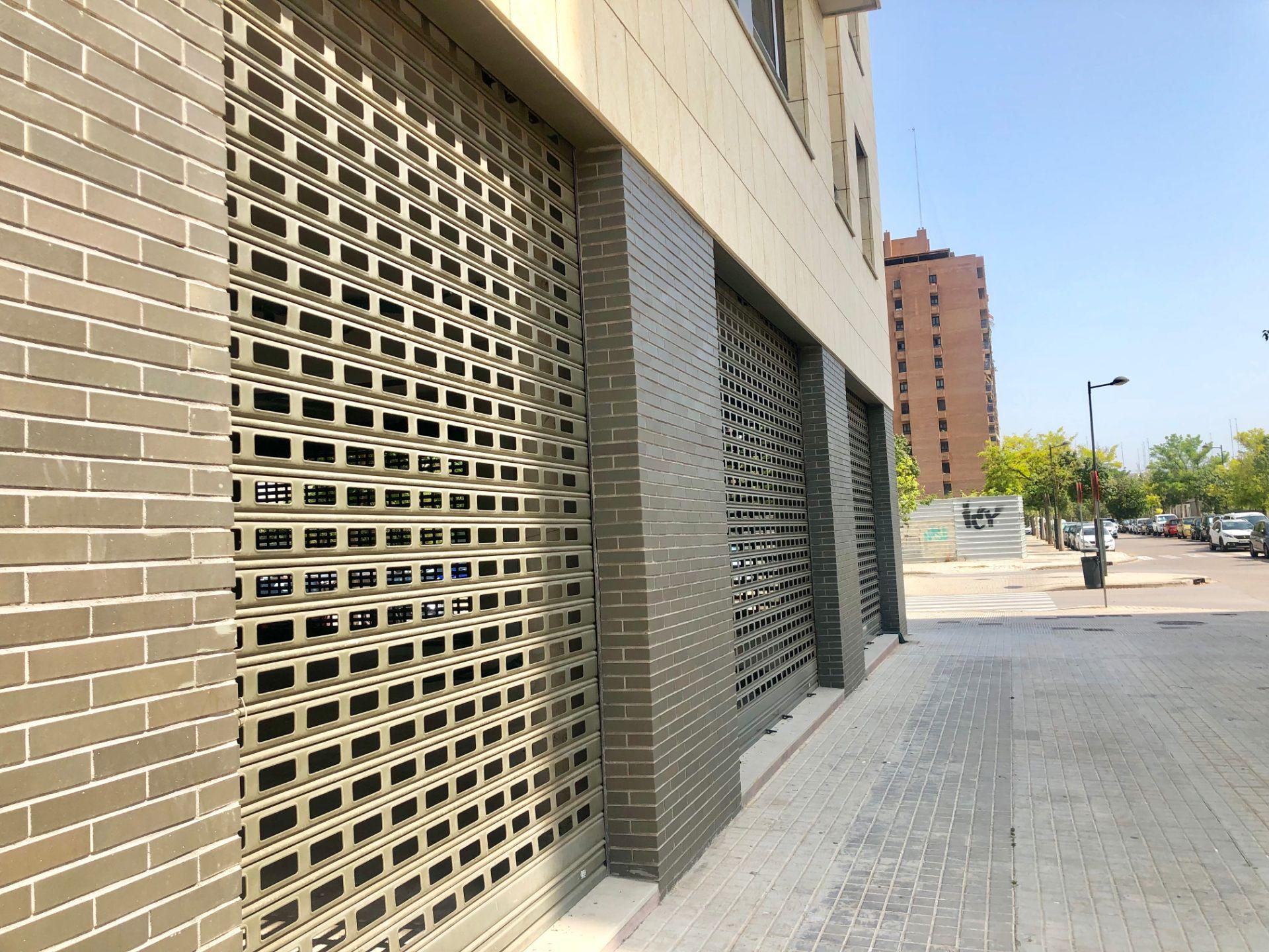 Local comercial en Valencia, PASEO ALAMEDA-CIUDAD ARTES Y CIENCIAS -CAMINS AL GRAU- PASEIG ARBEREDA, alquiler