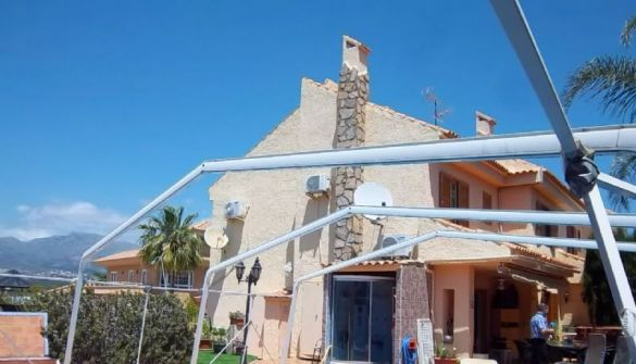 Semi-detached Houses for sale