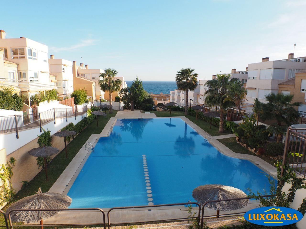 Casa adosada en Alicante, Cabo de las Huertas, venta