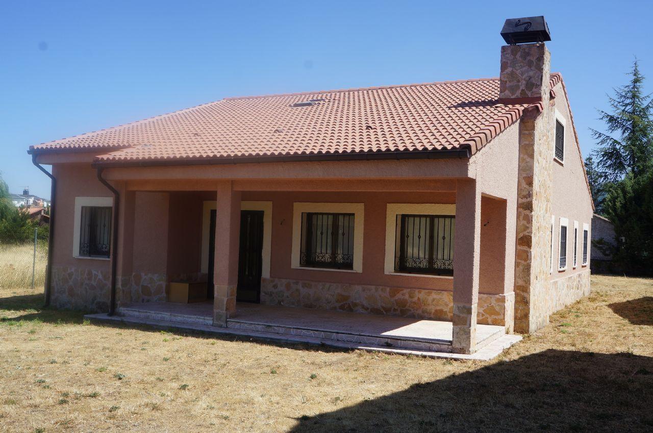 Villa in Riaza, verkauf