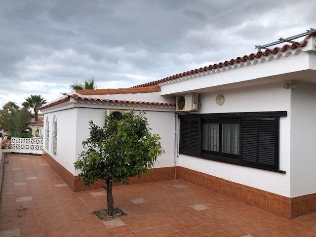 Villa in Costa del Silencio, for sale