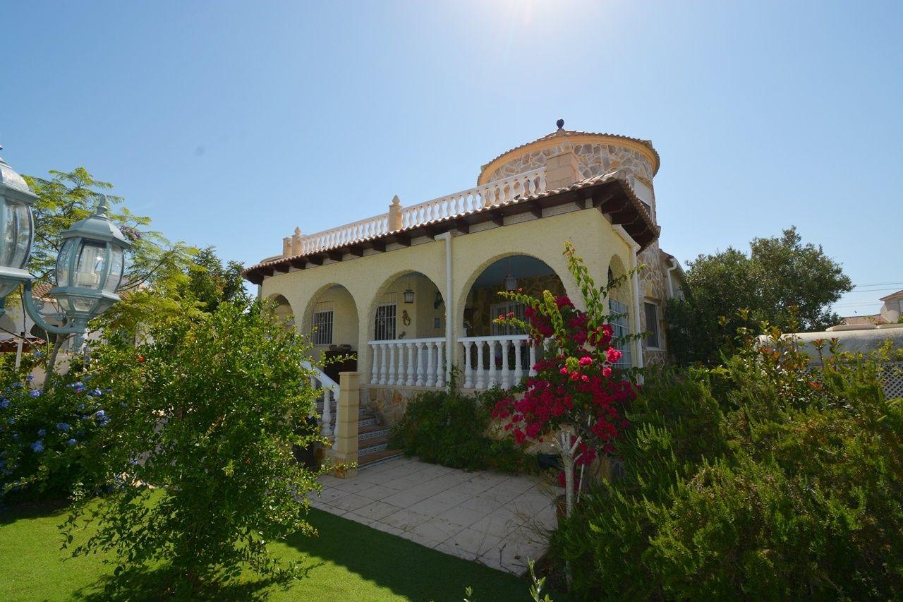 Villa in Torrevieja, UR. SAN LUIS, for sale