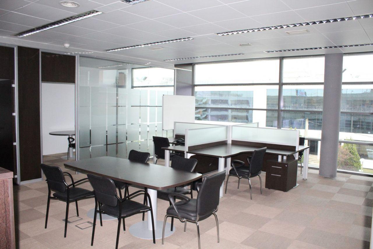 Oficina en Madrid, La Florida, alquiler