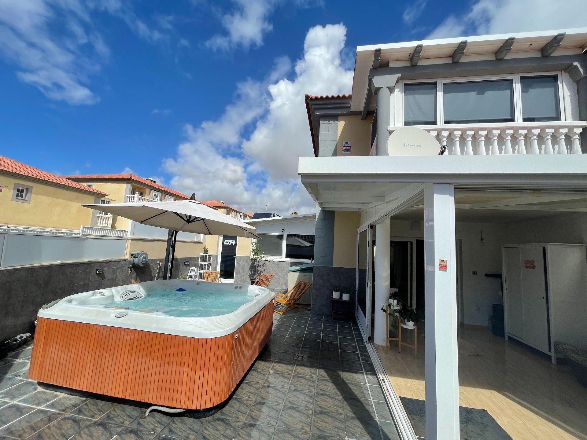 Casa adosada en Granadilla de Abona, EL MÉDANO, venta