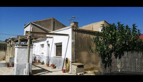 Casa de pueblo en Deltebre de 3 habitaciones