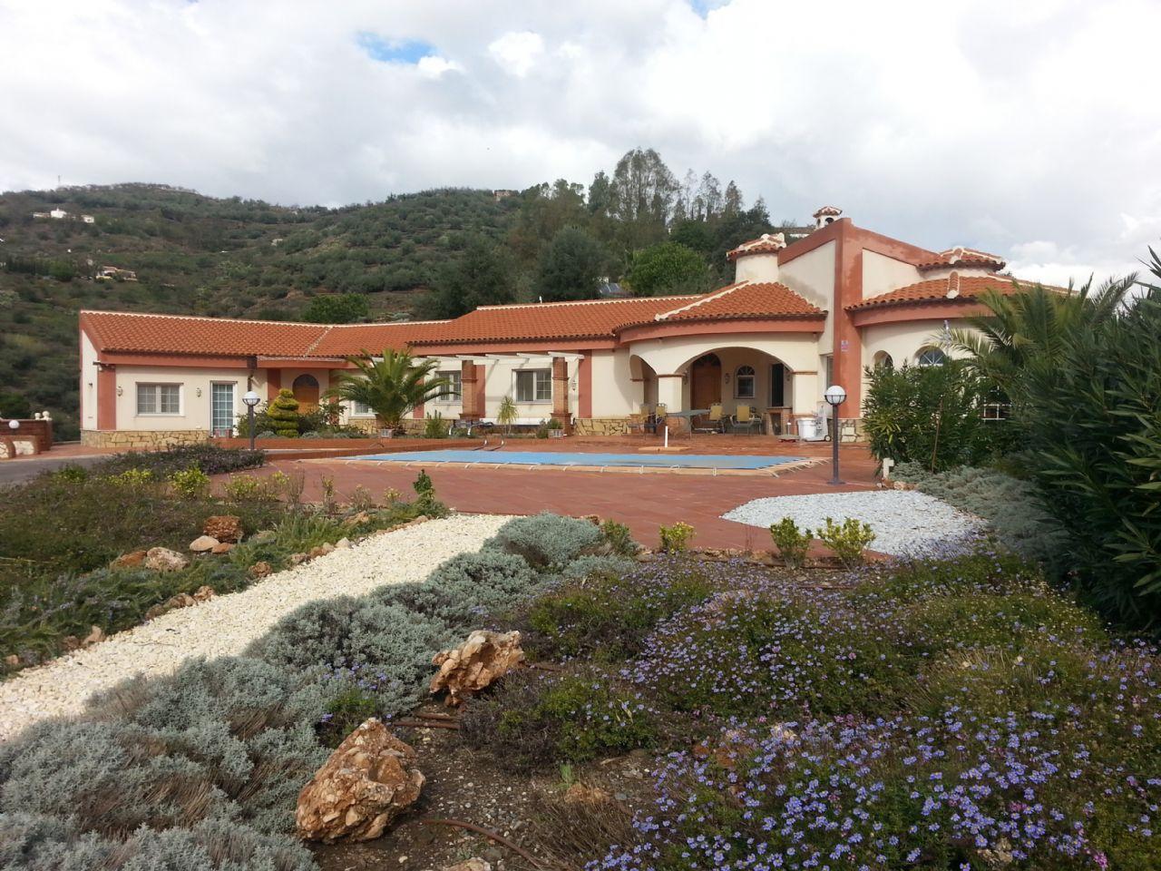 Casa de campo en Algarrobo, Bentomiz, venta