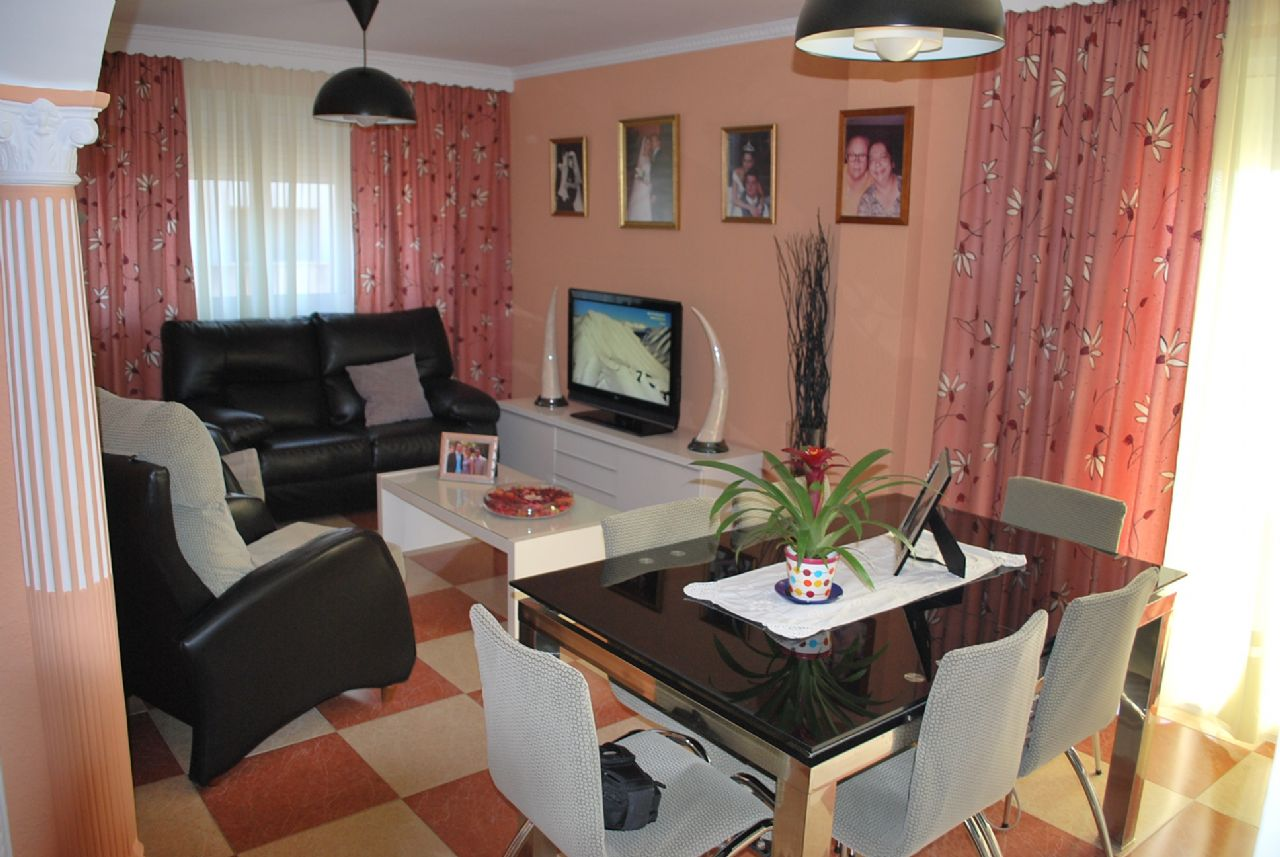 Apartment in Alhaurín de la Torre, for sale