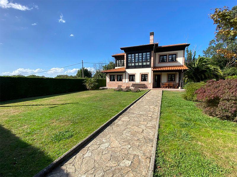 Casa / Chalet en Llanes, 1.5 KM. LA PLAYA, venta