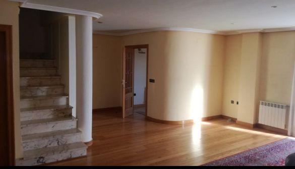 Casa adosada en Cabrerizos de 4 habitaciones