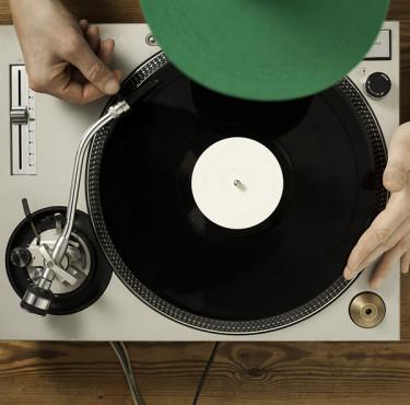 Platines vinyles : comparatif entre 7 modèles incontournablesPlatines vinyles comparatif modèles incontournables