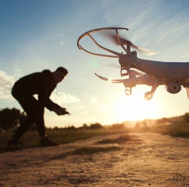Drone télécommandé : caméra HD, GPS, WiFi, FPV... Bien choisirDrone télécommandé caméra HD, GPS, WiFi, FPV choisir