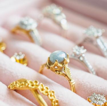 Quelle armoire pour organiser vos bijoux ?Armoire à bijoux: laquelle choisir