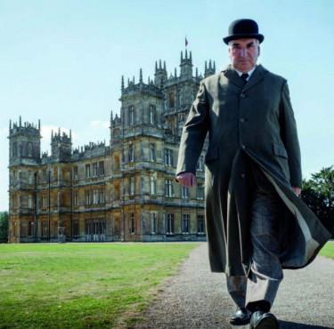 """Les indispensables """"so British"""" pour se mettre à l'heure de Downton AbbeyDownton Abbey Carson"""