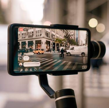 Quel appareil photo vidéo choisir pour vloguer ?smartphone stabilisateur