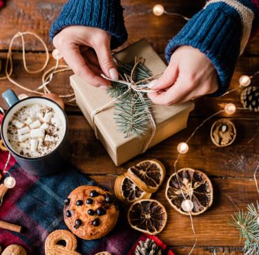 Les meilleurs cadeaux de Noël à offrir à des jeunes parentscadeaux de noël jeunes parents