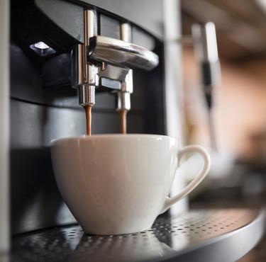 Cafetière expresso dosettes, à café moulu ou à grains, comment choisir?Cafetière expresso à dosettes, à café moulu ou à grains, comment choisir