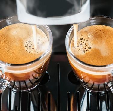 Les meilleures machines à café automatiquestasses de café