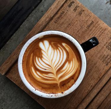 Les meilleurs moulins à café électriquestasse de café