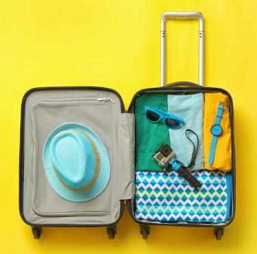 Des accessoires et astuces pour alléger vos bagagesValise ouverte
