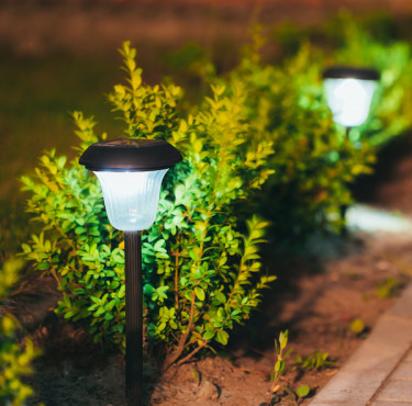 Les meilleures lampes solaires de jardinLumières solaire jardin