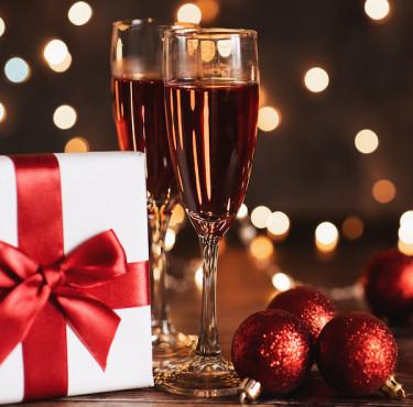 Des idées de cadeaux pour tous les gourmetsverres de champagne et cadeau de Noël