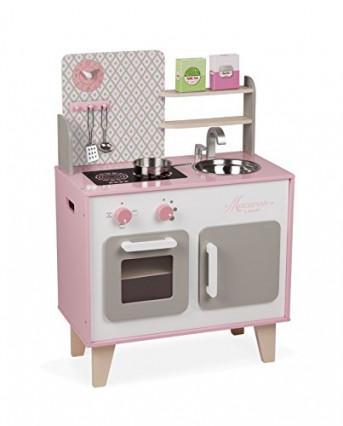 La petite cuisine en bois avec réfrigérateur et four à micro-ondes par Janod