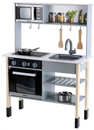 La cuisine en bois Klein avec des équipements Miele