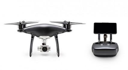 Le drone avec caméra Phantom 4 en style obsidienne