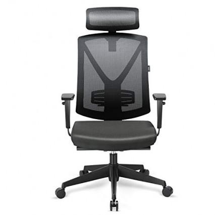 Une chaise de bureau Intey en textile ajouré respirant