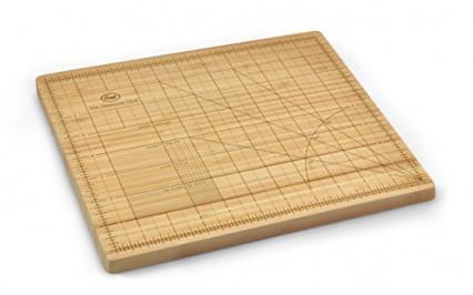 Une planche à découper en bois pour les perfectionnistes