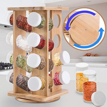 Un présentoir à épices en bois