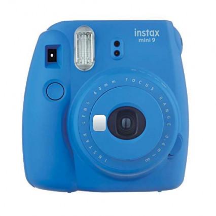 Un petit appareil photo instantané