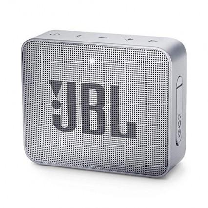 Une mini enceinte JBL pour écouter de la musique