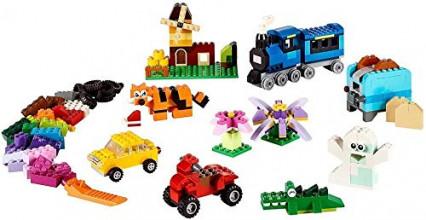 Une boîte de 484 pièces de LEGO, pour laisser libre cours à l'imagination